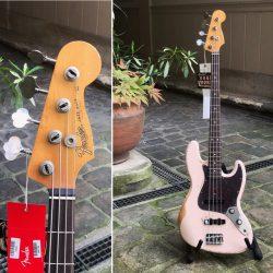 Cette Fender Flea Jazz Bass® est excellente